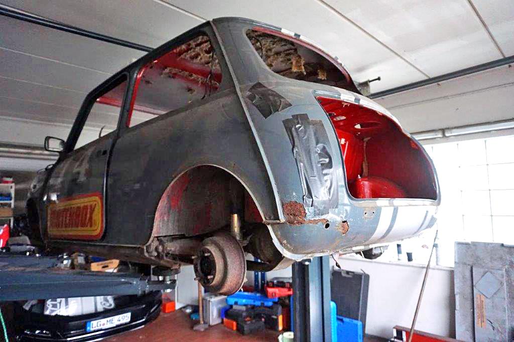 Restauration von alten Fahrzeugen beim KFZ Service in Alt Garge